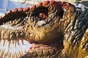 """Динозавры """"оживают"""" при приближении посетителей. // vvcentre.ru"""