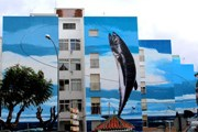 Картина заняла фасады шести зданий. // elmundo.es