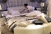 Власти Китая запретили чиновникам роскошествовать. // qz.com