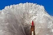 20-метровые волны обрушивались на берег. // espanarusa.com