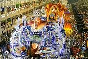 Карнавал привлекает сотни тысяч туристов. // telegraph.co.uk