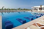 Один из бассейнов отеля Riu Playa Blanca // riu.com