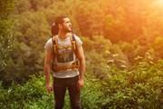 Туристам нравятся прогулки на природе.  // GaudiLab, Shutterstock.com