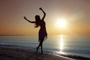 Организовать пляжный отдых будет проще.  // Arman Zhenikeyev, Shutterstock.com