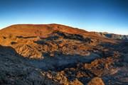 Вулкан на Реюньоне // Infografick, Shutterstock.com