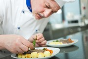 Лучшие повара представят свое искусство.  // Minerva Studio, Shutterstock.com