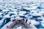 Арктические круизы - необычный вид отдыха.  // DonLand, Shutterstock.com