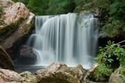 В водопадах парка можно купаться. // thailand-news.ru