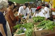 Пятничный рынок посещают до 10 тысяч человек в день. // chatru.com