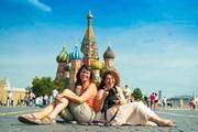 Москва привлекает туристов.  // Anton Gvozdikov, Shutterstock.com