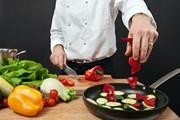 Рестораны предложат свои лучшие блюда.  // Ronald Sumners, Shutterstock.com