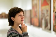 Музеи ждут посетителей вечером.  // Iakov Filimonov, Shutterstock.com