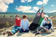 Куршская коса - популярное место отдыха на природе.  // Ottochka, Shutterstock.com