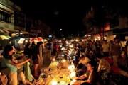 Власти Бангкока пытаются упорядочить уличную торговлю. // thailand-news.ru