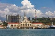 Сочи привлекает все больше туристов.  // Merkushev Vasiliy, Shutterstock.com