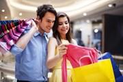Из-за курса евро и доллара шопинг в России стал необычайно выгоден для иностранцев. // gpointstudio, shutterstock.com