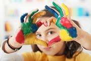 Дети нарисуют стилизованный логотип поисковика. // Dejan Ristovski, shutterstock.com