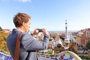 Архитектура Барселоны привлекает туристов.  // Maridav, Shutterstock.com