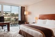 Номер в лионском отеле Marriott