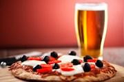 Любителей пиццы можно встретить по всему миру.  // svariophoto, Shutterstock.com