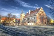 Замок находится на реставрации.  // cervene-porici.cz