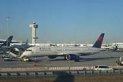 Самолет Delta в Нью-Йорке // Travel.ru