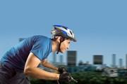 На велосипеде передвигаться по городу удобно и интересно.