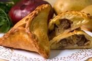 Очпочмак - традиционный пирожок с мясом и картофелем. // finecook.info