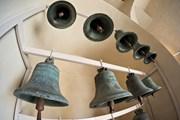 В коллекции - тысячи колоколов.  // Evgeny Prokofyev, Shutterstock.com