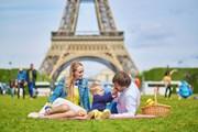 Париж - в числе популярных для семейного отдыха зарубежных городов. // Ekaterina Pokrovsky, Shutterstock.com