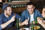 В крупных городах России работает более четырех тысяч баров. // Syda Productions, shutterstock.com