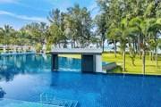 Один из бассейнов отеля Dusit Thani Krabi Beach Resort // dusitthanikrabi.com