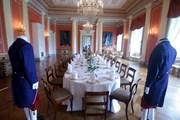 Стол, накрытый к торжеству во дворце // Scanpix