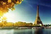В Париже можно бесплатно развлечься и недорого поесть. // Iakov Kalinin, shutterstock