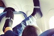 В интернет попадает множество фотографий, сделанных стюардами. // Passenger Shaming