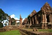 Храм Преахвихеа на севере Камбоджи не уступает красотой популярному комплексу Ангкор-Ват. // svietnamtravel.com