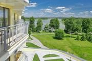 От городского шума можно отдохнуть в живописном месте. // Travel.ru