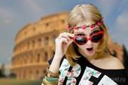 Многим российским туристам придется отказать себе в поездках за границу. // Olga Rosi, Shutterstock
