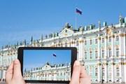 Россияне все чаще проводят отпуск в турпоездке, а не сидят дома или на даче. // vvoe