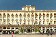 Le Grand Hotel  расположен на главной площади Бордо. // ihg.com