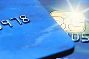 Карты Visa принимаются через Национальную систему платежных карт. // Nejron Photo, shutterstock