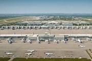 Вид на спутник на фоне основного терминала 2 // munich-airport.com