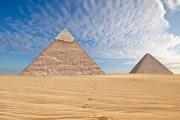 Турист мог сесть в тюрьму за то, что залез на пирамиду. // Waj, shutterstock