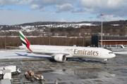 Самолет Emirates // Юрий Плохотниченко