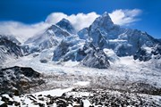 Горы Тибета // Zzvet, shutterstock.com