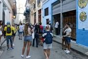 Туристы из США заполонили улицы старой Гаваны. // Stefano Ember, shutterstock.com