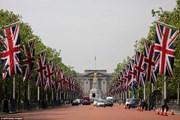 Лондон украшен флагами в честь праздника. // AFP