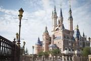 Диснейленд в Шанхае строили пять лет. // cnn.com