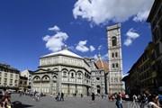 Пьяцца-дель-Дуомо во Флоренции. // fritz16, shutterstock.com
