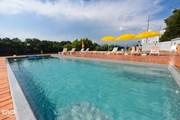 Жителям и гостям города предлагают поплавать в бассейнах на берегу реки. // yuga.ru